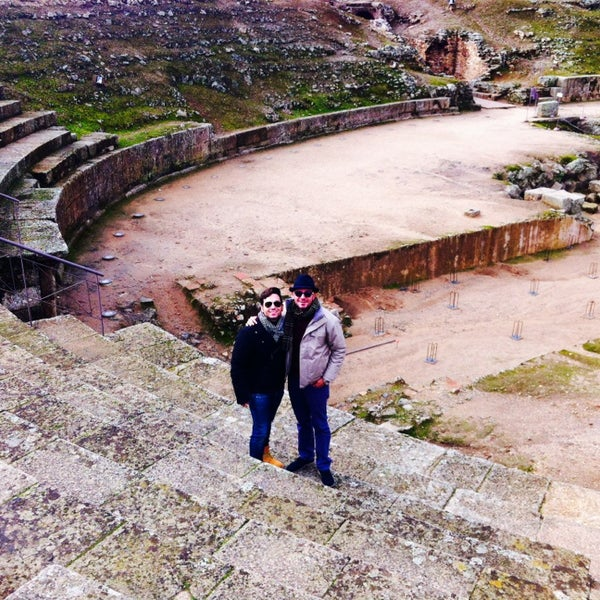 Photo taken at Anfiteatro Romano by FERNANDO C. on 1/5/2014