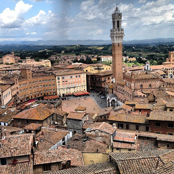 Photo taken at Piazza del Campo by Mirko G. on 6/12/2013