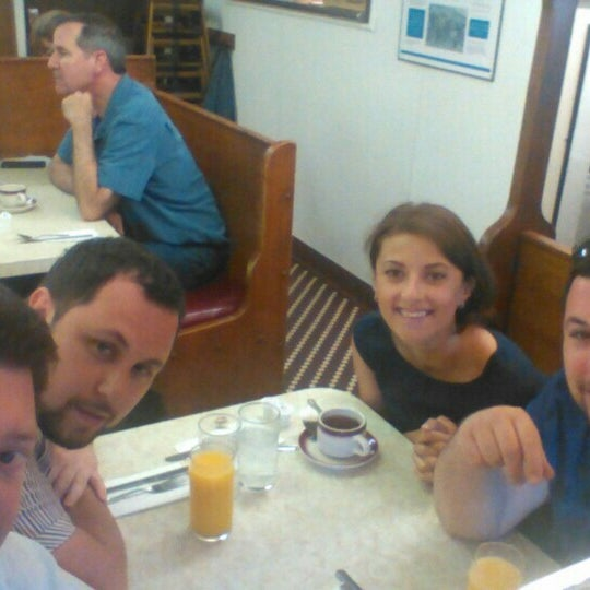 Photo taken at Tastee Diner by Maxim Y. on 5/9/2015