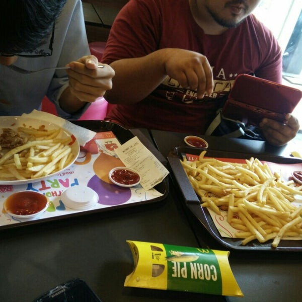 Photo taken at McDonald's by AmInO S. on 6/26/2016
