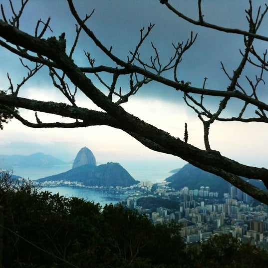 Where's Good? Holiday and vacation recommendations for Rio De Janeiro, Brazil. What's good to see, when's good to go and how's best to get there.