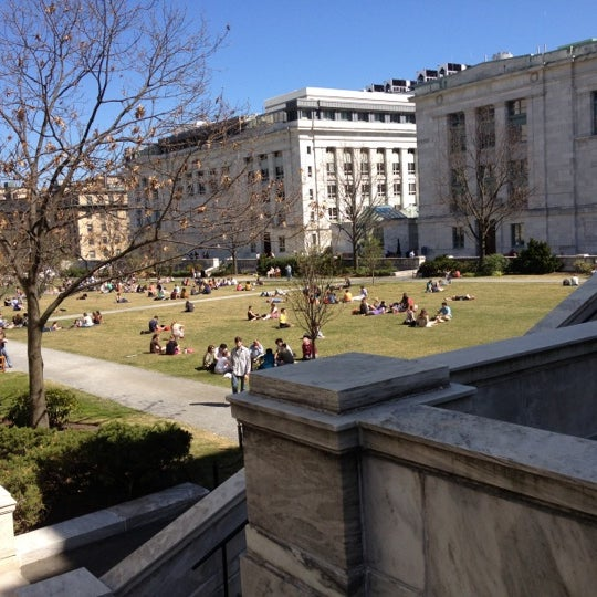 Photo taken at Harvard Medical School Quadrangle by Sasha S. on 3/22/2012