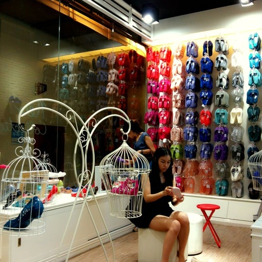 Photo taken at Jelly Bunny @Avenue Rachayothin by 🌀PlaKlap🔆ng🌀 on 3/4/2012