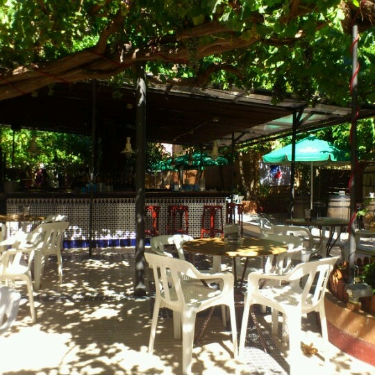 Caf continental alcal de henares madrid for Tanatorio jardin alcala de henares