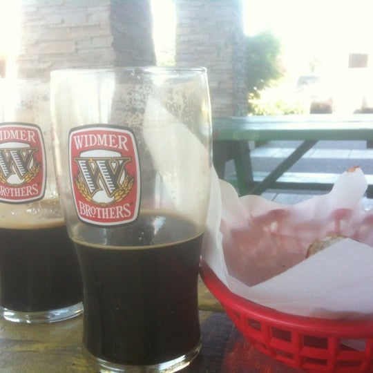 Photo taken at Pizza Schmizza Pub & Grub - Salmon Creek by Michael P. on 5/7/2012