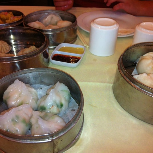 Photo taken at PV Palace Seafood Restaurant by Jean Y. on 8/27/2012