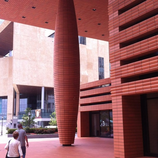 Photo taken at Bechtler Museum of Modern Art by David on 6/9/2012