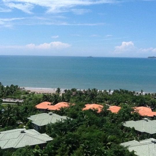 Photo taken at HowardJohnson Resort Sanya Bay by Николай Л. on 8/24/2012