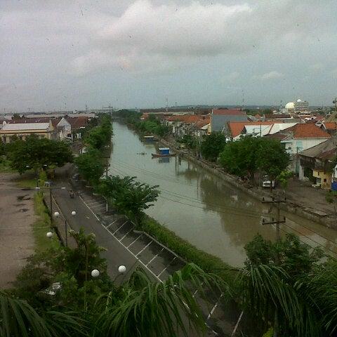 Photo taken at Pusat Grosir Jembatan Merah Plasa (JMP) by Elisabeth N. on 12/28/2012