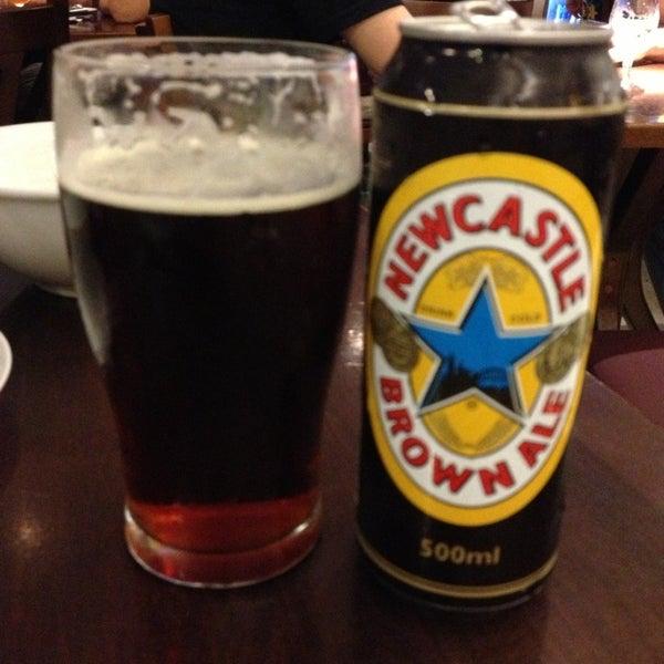 Para os amantes da melhor, na minha opinião, cerveja inglesa: NewCastle, voltooooou !!!!! Desde o inicio do ano em falta, ela ta de volta e eme ótima data .... Presente certo pra esse Natal 