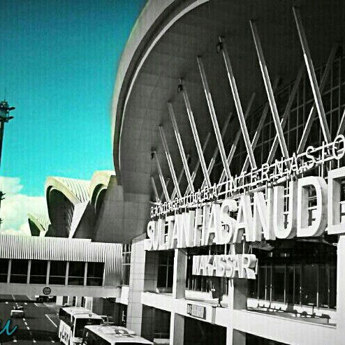 Photo taken at Sultan Hasanuddin International Airport (UPG) by muhammad i. on 4/28/2013