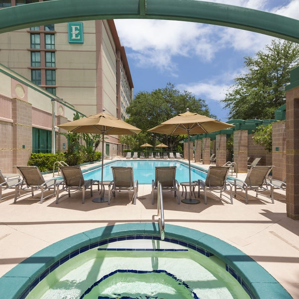 Embassy Suites By Hilton Tampa Usf Near Busch Gardens Village Of Tampa 28 Tips