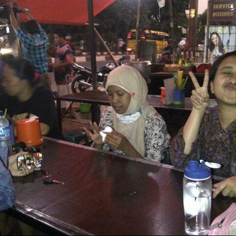 Photo taken at Pondok Bakmi Surabaya by Livonia N. on 9/13/2012