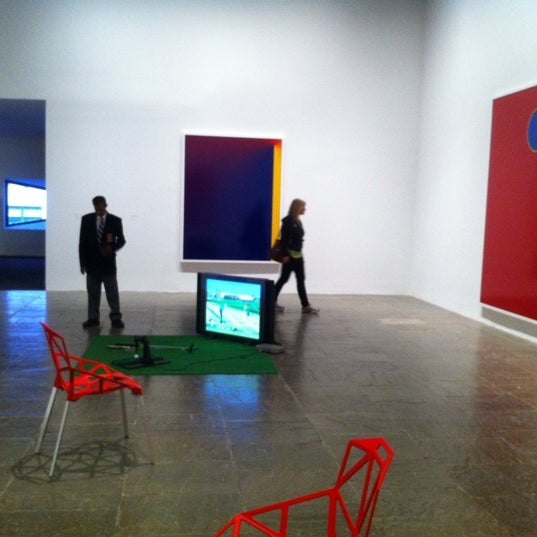 Photo taken at Whitney Museum of American Art by Geraldine C. on 9/8/2011