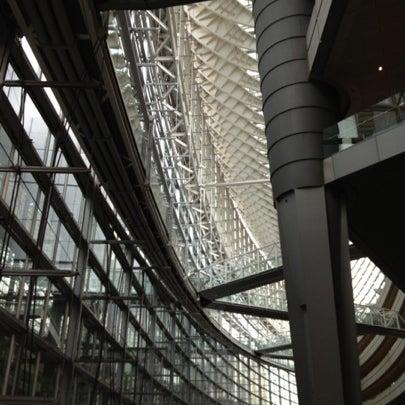 Photo taken at 東京国際フォーラム ガラス棟 by Megumi K. on 8/6/2012