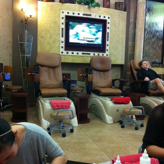 Deluxe nail salon chapel hill 4601 west fwy for 24 hour nail salon chicago