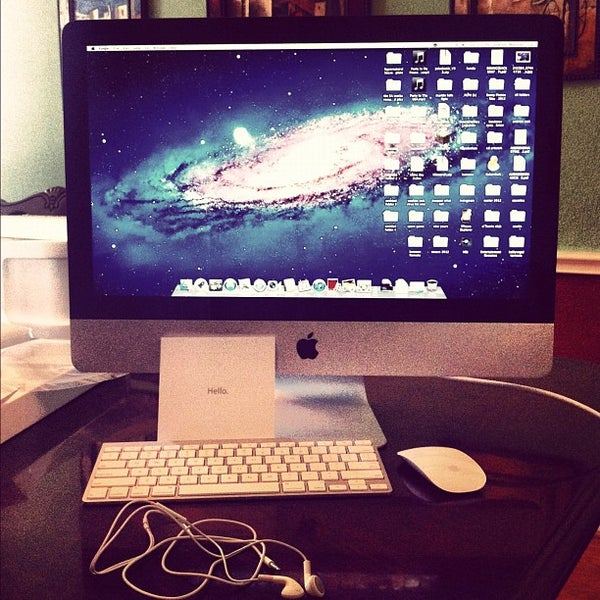 Photo taken at Apple La Cantera by Andrew M. on 6/24/2012