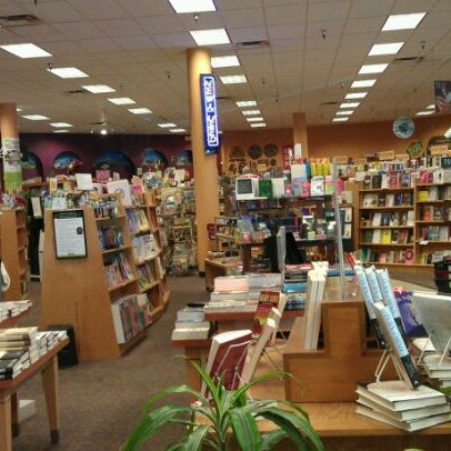 Photo taken at Changing Hands Bookstore by Paleo J. on 8/7/2011
