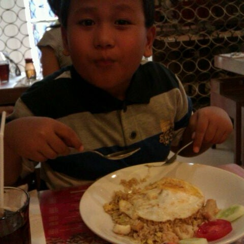 Photo taken at Chopstix by Rahma U. on 11/12/2011