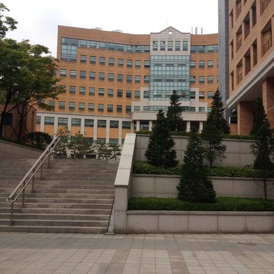 Photo taken at 연세대학교 새천년관 (Yonsei University, New Millennium Hall) by Minju K. on 5/26/2012