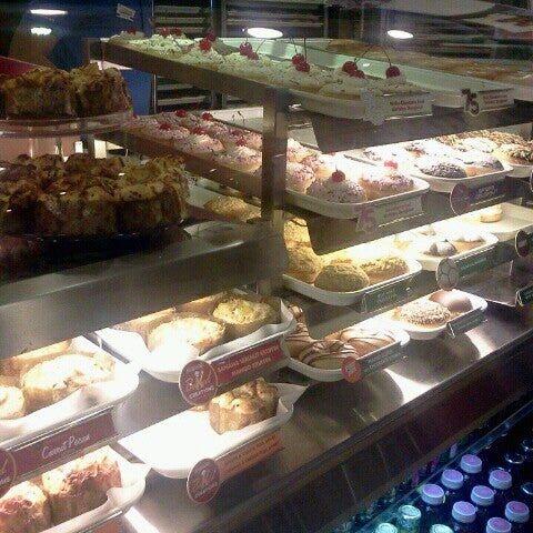 Photo taken at Krispy Kreme by Gilbert Anthony A. on 7/11/2012