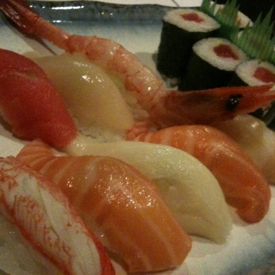 Photo taken at Hyotan Japanese Restaurant by TJ H. on 4/5/2012