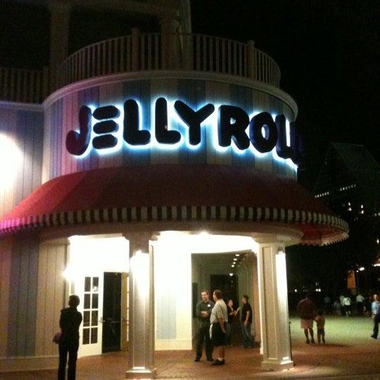 Photo taken at Jellyrolls by Samantha W. on 10/30/2011