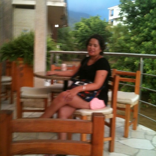 Photo taken at Oscar's by Imelda F. on 8/9/2012