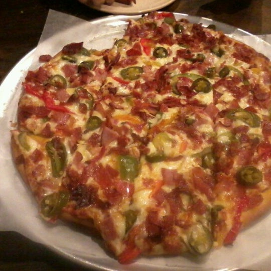 Photo taken at G & D Pizzaria by Whitney on 8/15/2012