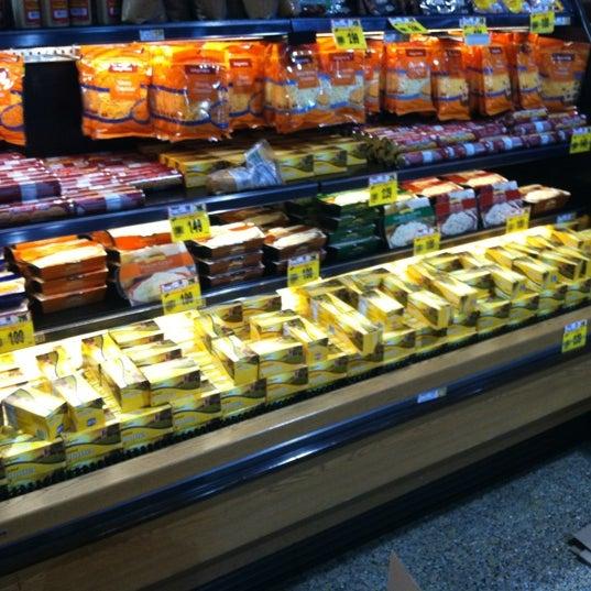 Wegmans grocery store in downingtown for Food bar wegmans