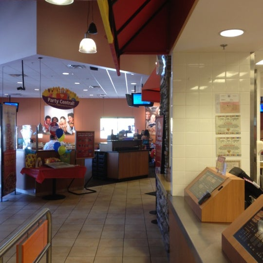 Photo taken at Peter Piper Pizza by Rex P. on 5/3/2012