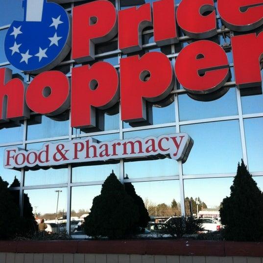 Photo taken at Price Chopper by Rayne P. on 2/19/2012