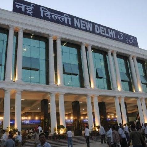 Photo taken at New Delhi Railway Station (NDLS) by Asim K. on 8/29/2012
