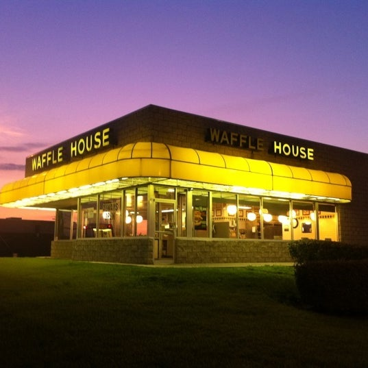 Photo taken at Waffle House by Jason F. on 8/11/2011