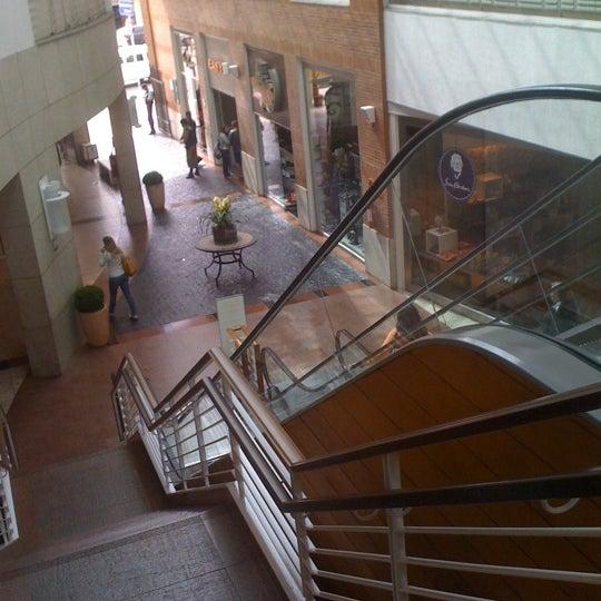 Photo taken at Pátio Savassi by Uerik D. on 5/23/2012