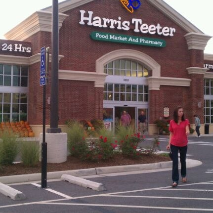 Photo taken at Harris Teeter by Nicholas B. on 10/10/2011
