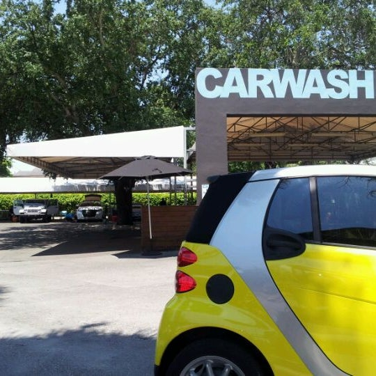 Photo taken at Karma Car Wash by Ernies Alloy Inc. O. on 5/7/2012