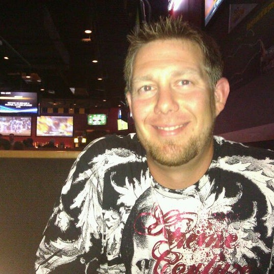 Photo taken at Buffalo Wild Wings by Haley T. on 5/26/2012