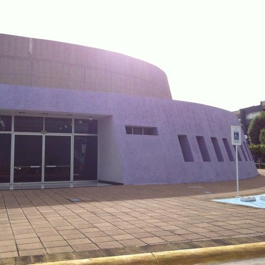 Photo taken at Universidad del Valle de Atemajac (UNIVA) by David on 2/19/2012