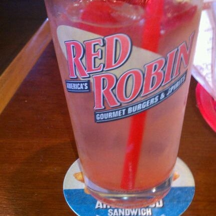 Photo taken at Red Robin Gourmet Burgers by David S. on 10/5/2011