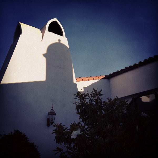 Photo taken at Ojai Valley Inn & Spa by Cody S. on 6/18/2012
