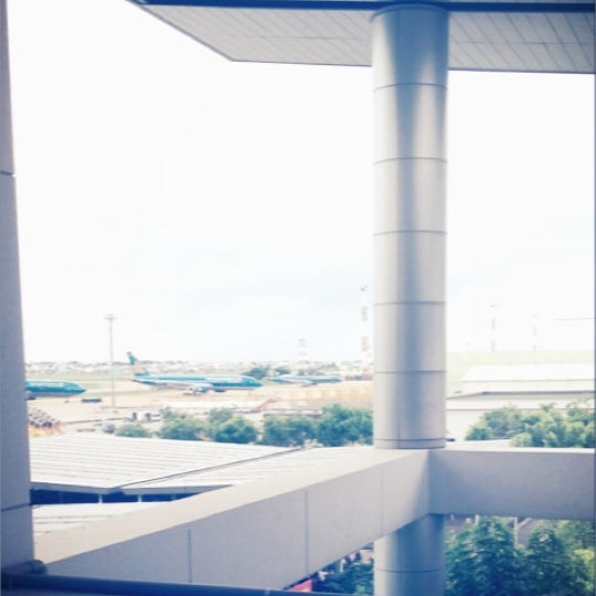 Photo taken at Tan Son Nhat International Airport by Vyiie on 7/8/2012
