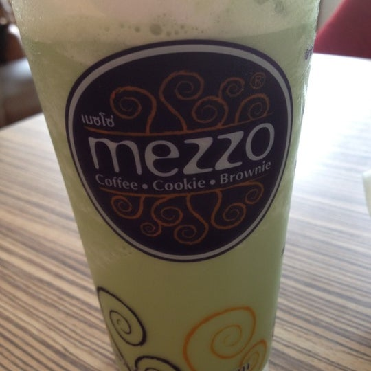 Photo taken at Mezzo (เมซโซ่) by MeMe M. on 5/17/2012
