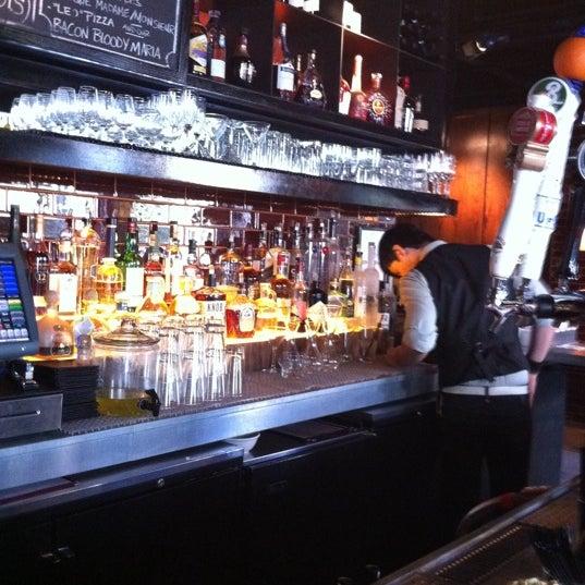 Photo taken at B & B Winepub (Burger & Barrel) by Chi on 8/30/2011