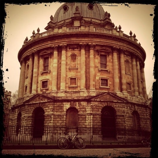 Photo taken at Radcliffe Camera by Kittiya P. on 1/8/2012