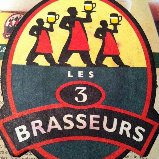 Photo taken at Les 3 Brasseurs by Ambles K. on 4/24/2011
