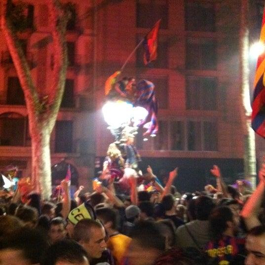 Photo taken at Font de Canaletes by Jordi U. on 5/11/2011