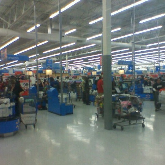 Photo taken at Walmart Supercenter by Anthony T. on 11/24/2011