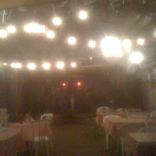 Photo taken at Cave Creek Smokehouse & Pour House Patio by Paco H. on 11/12/2011