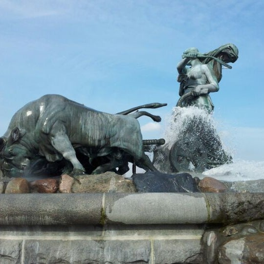 Photo taken at Gefionspringvandet (Gefion Fountain) by Jan Friborg J. on 4/12/2012